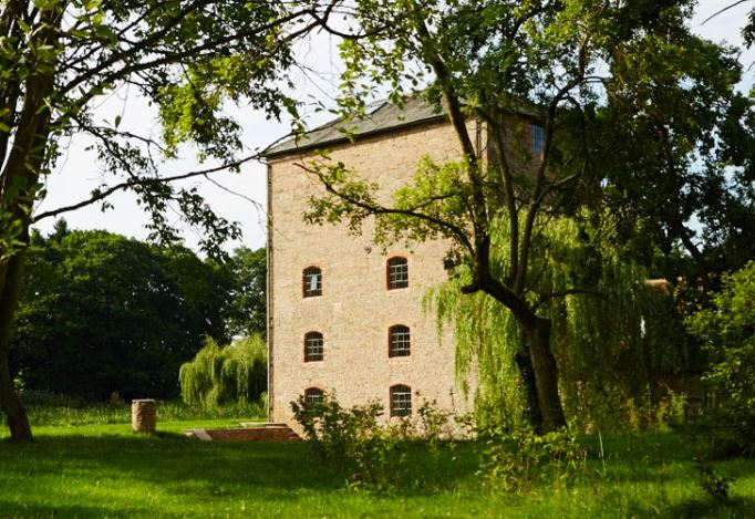 External picture of Clover Mill
